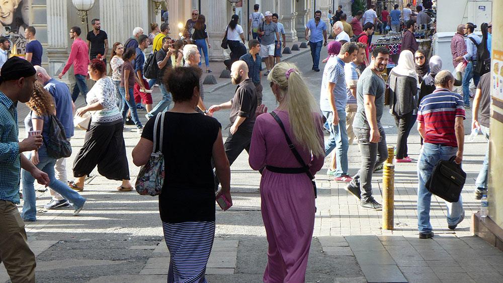 JO_BRUNNER_ISTANBUL_AP_008