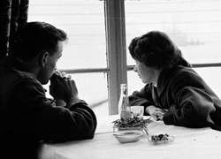 One person tells another that they no longer want to grow old with them, and the toast pops up. (Getty Images)