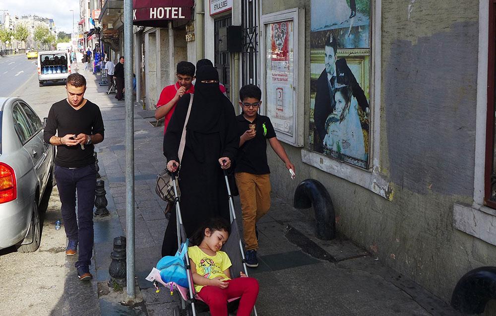 JO_BRUNNER_ISTANBUL_AP_011